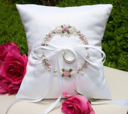 Ring pillow, by SHELSEASTUDIO on etsy.com