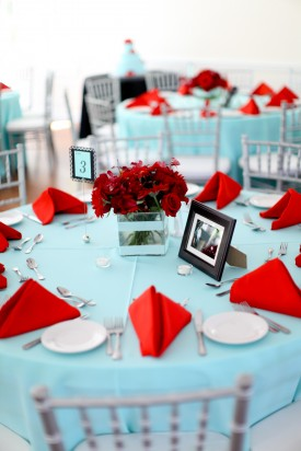 Table setting inspiration {via unitedwithlove.com} | The Merry Bride