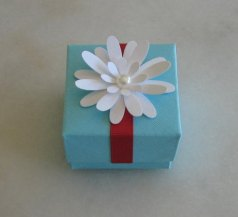 Wedding favour box, by ordieandchavalos on etsy.com