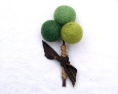 Felt boutonniere, by Fairyfolk on etsy.com