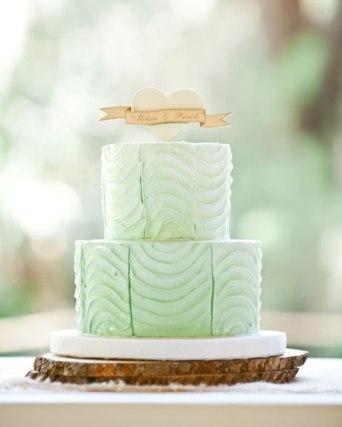 Wedding cake inspiration {via redturtleinvites.com}