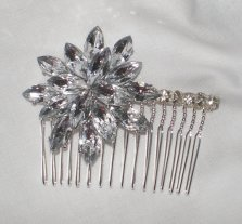 Bridal comb, by BittysJewelryAndMore on etsy.com