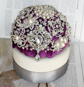 Brooch cake-topper, by LXdesigns on etsy.com