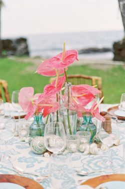 Coral and aqua beach wedding table setting idea {via followpics.net}