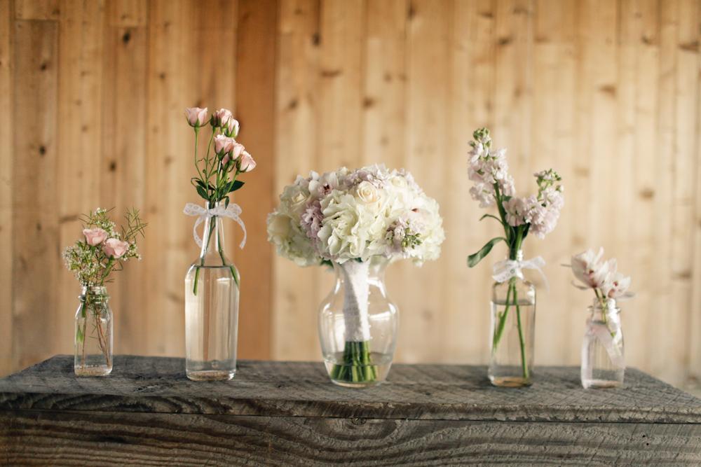 White wedding bridal arrangement with bbc - 2 2