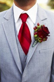 Groom style idea {via emeraldrosephoto.com}
