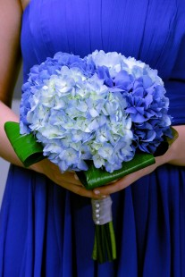 Hydrangea bouquet {via angelofloral.com}