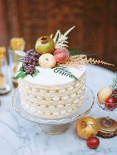 Naked layered cake {via stylemepretty.com}