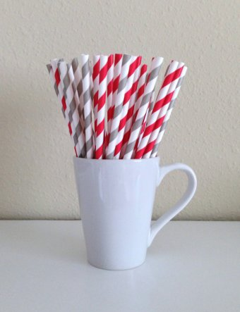Paper straws, by PuppyCatCrafts on etsy.com