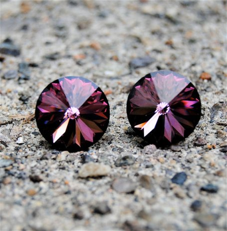 Stud earrings, by MASHUGANA on etsy.com