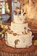 Wedding cake inspiration {via riversidefarmweddings.com}
