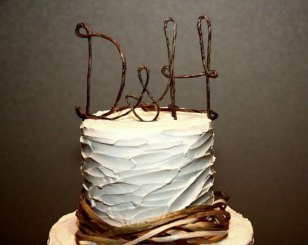 Wire cake topper, by AntoArts on etsy.com
