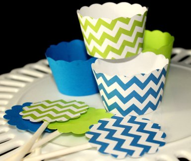 Cupcake wrappers and toppers, by SWEETSINCLAIRS on etsy.com