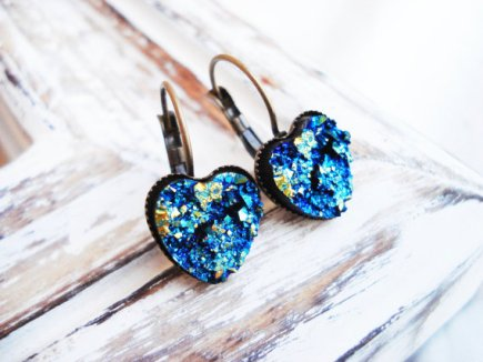 Heart earrings, by 2lei2 on etsy.com