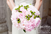 Light pink and green bouquet inspiration {via twotwentyone.net}