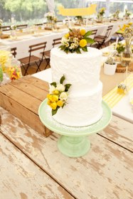 Mustard and mint wedding cake inspiration {via etsy.com wedding blog}