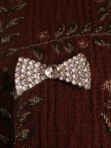 Old Hollywood-style brooch, by parkestatecompany on etsy.com