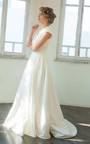Wedding dress, by MotilFineDesign on etsy.com