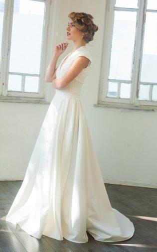Wedding dress, by MotilFineDesign on etsy.com