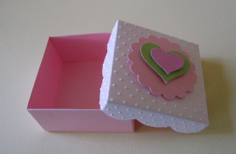 Wedding favour boxes, by LovelyPaperCrafts on etsy.com