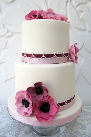 Beautiful burgundy and pink wedding cake {via rosalindmillercakes.com}