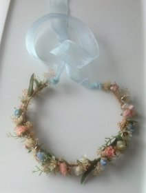Floral crown for flower girls, by BudgetWeddingBouquet on etsy.com
