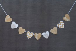 Gold and white heart garland - www.etsy.com/shop/ladycalifornia