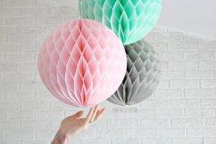 Honeycomb paper lanterns - www.etsy.com/shop/pomtree