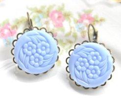 Periwinkle earrings, by heathernn1 on etsy.com
