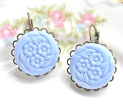 Periwinkle earrings, by heathernn1 on etsy.com