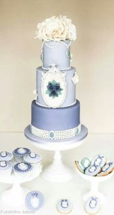 Periwinkle wedding cake and cupcake inspiration {via pinterest.com}
