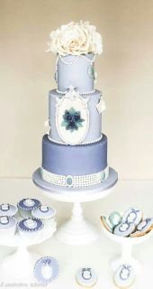 Periwinkle wedding cake and cupcake inspiration {via pinterest.com}
