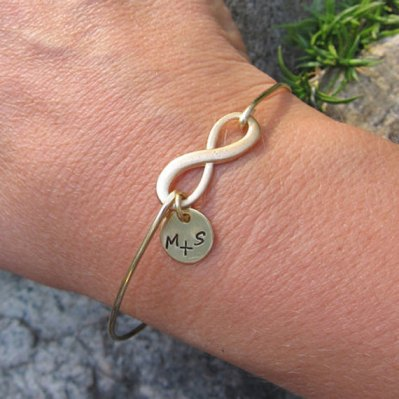 Personalised infinity bracelet - www.etsy.com/shop/FrostedWillow