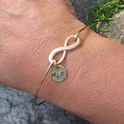 Personalised infinity bracelet - www.etsy.com/shop/FrostedWillow