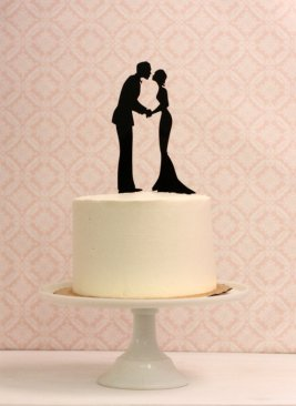 Silhouette cake topper - www.etsy.com/shop/Silhouetteweddings