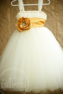 White and gold flower girl dress - www.etsy.com/shop/littledreamersinc