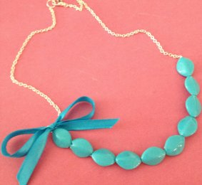Aqua necklace - www.etsy.com/shop/localovespirate