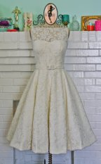 Audrey Hepburn-inspired tea-length wedding dress - www.etsy.com/shop/Morningstar84