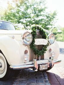 Decorate your wedding car {via stylemepretty.com}