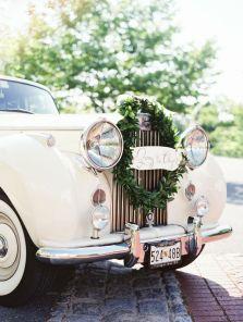 Decorate your wedding car {via stylemepretty.com}