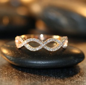 Diamond and rose gold ring - www.etsy.com/shop/LaMoreDesign