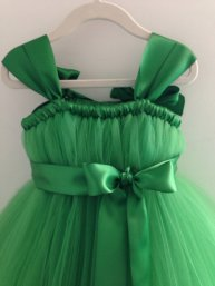 Emerald-green flower girl dress - www.etsy.com/shop/HadandHarps