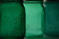Emerald mason jars - www.etsy.com/shop/willowfairedecor