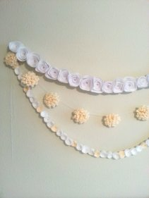 Felt flower garlands - www.etsy.com/shop/TheDecorRoom