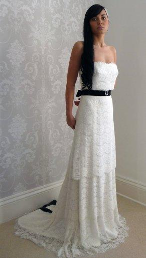 Lace bridal gown - www.etsy.com/shop/LauraBeaumontCouture