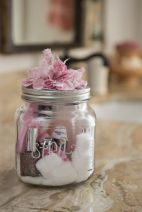 Manicure in a jar, for your bridesmaids {via soshelli.com}