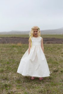 Peter Pan collar flower girl dress - www.etsy.com/shop/gillygray