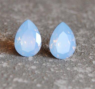 Powder-blue earrings - www.etsy.com/shop/MASHUGANA