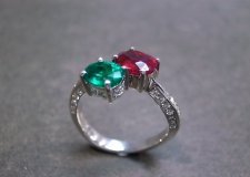 Ruby and emerald engagement ring - www.etsy.com/shop/honngaijewelry