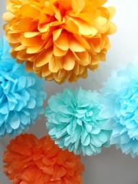 Tissue-paper pompoms - www.etsy.com/shop/pomtree